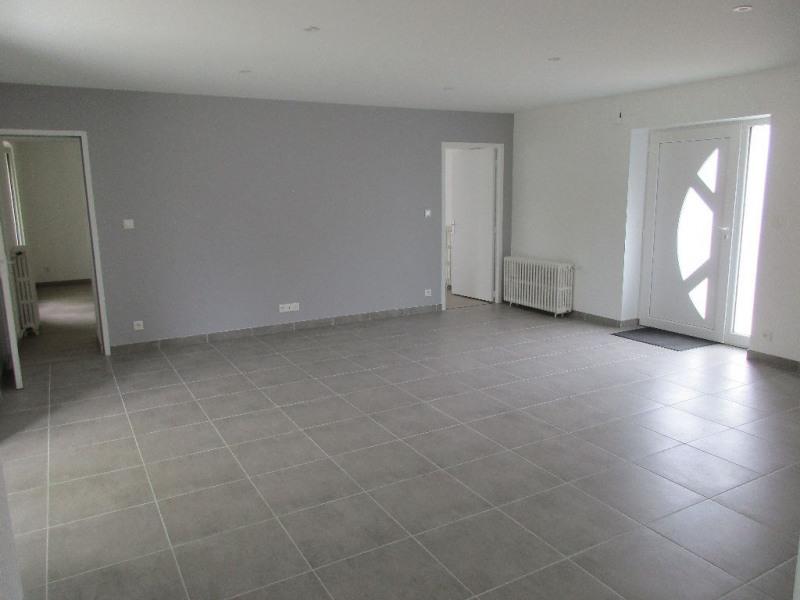 Rental house / villa Bouaye 935€ CC - Picture 2