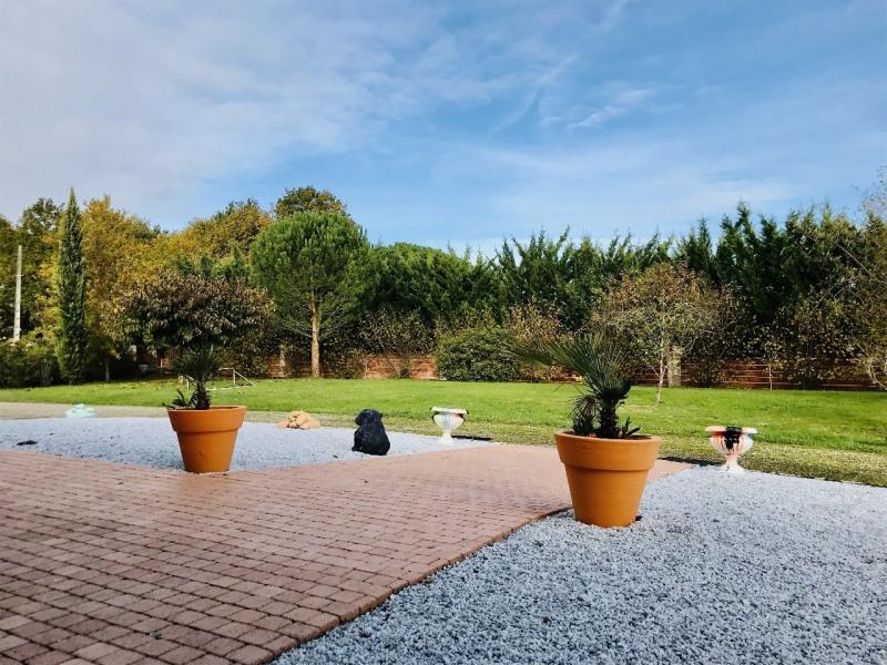Sale house / villa Pechbonnieu 459000€ - Picture 2