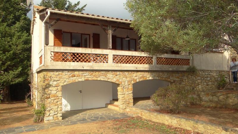 Vacation rental house / villa Cavalaire sur mer  - Picture 4