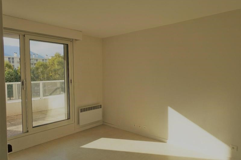 Location appartement Grenoble 571€ CC - Photo 2
