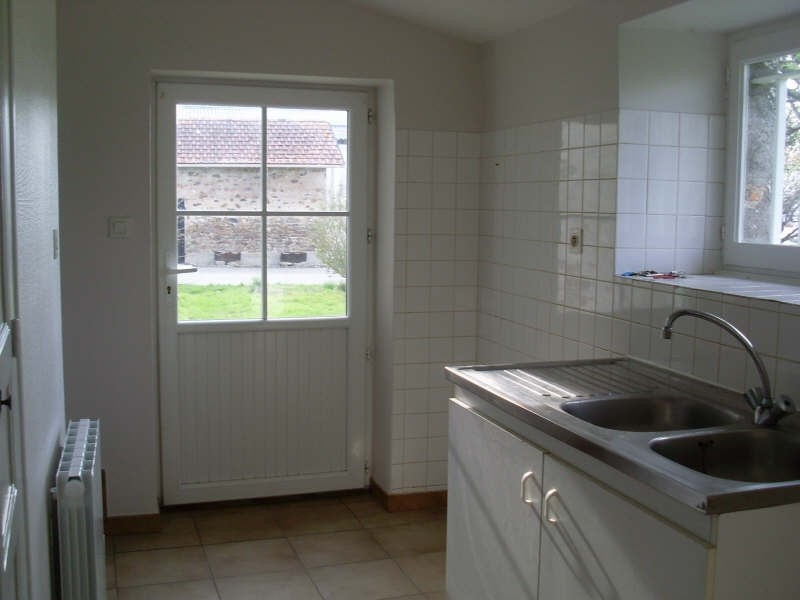 Location maison / villa St hilaire de chaleons 706€ CC - Photo 4