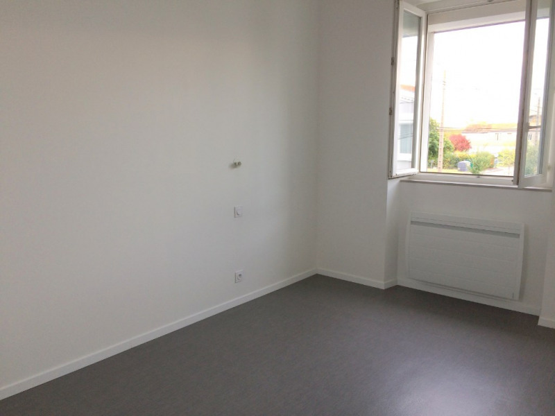Location appartement La rochelle 845€ CC - Photo 5