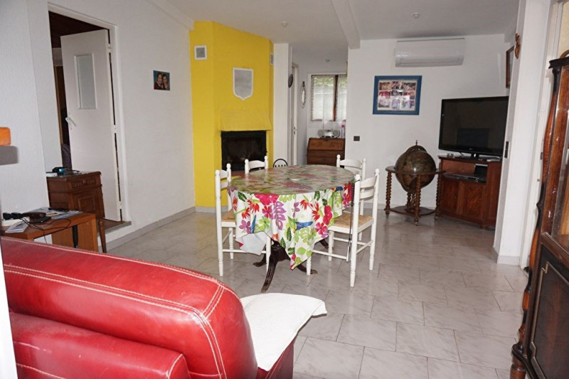 Vente maison / villa Hyeres 298 900€ - Photo 3