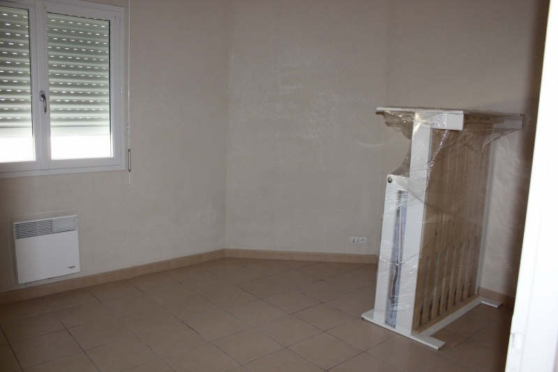 Location maison / villa St pierre d'aurillac 730€ CC - Photo 3
