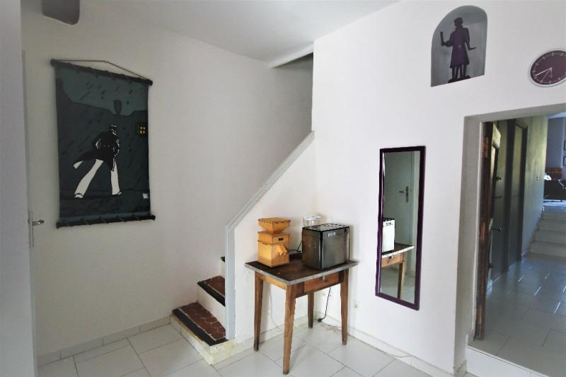 Sale house / villa Meyrargues 346000€ - Picture 3