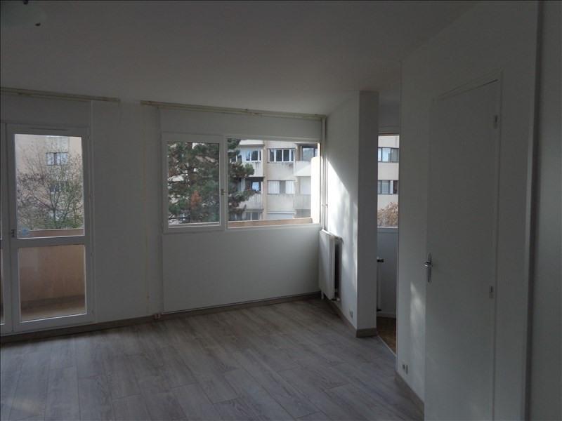 Rental apartment Les ulis 684€ CC - Picture 2