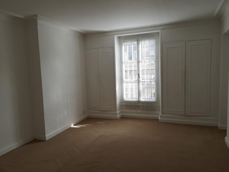 Rental apartment Paris 8ème 3970€ CC - Picture 4