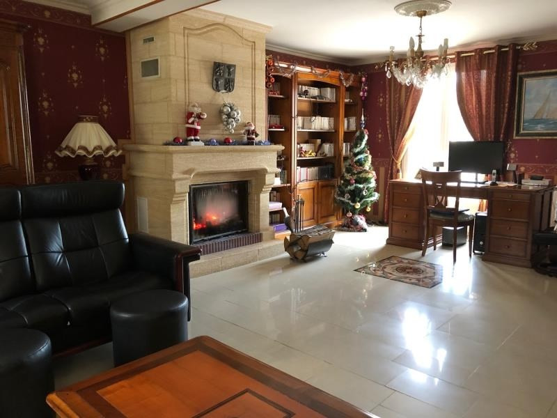 Sale house / villa Chambly 345 000€ - Picture 2