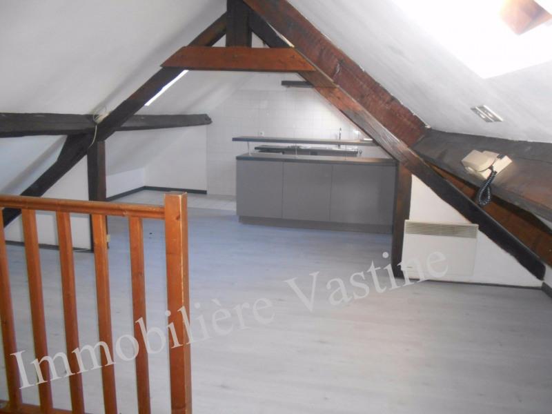 Rental apartment Chamant 550€ CC - Picture 1