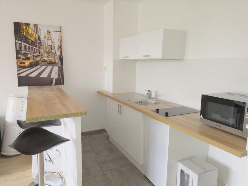 Rental apartment Fresnes 720€ CC - Picture 2