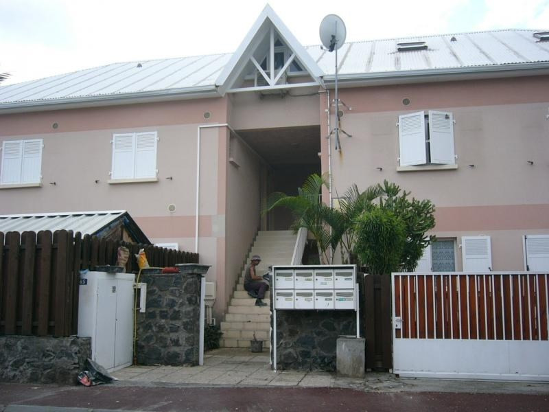 Location appartement St gilles les bains 670€ CC - Photo 1