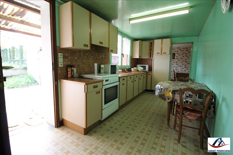 Sale house / villa La chartre sur le loir 76200€ - Picture 10