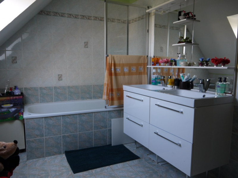 Revenda casa Lommoye 218000€ - Fotografia 5