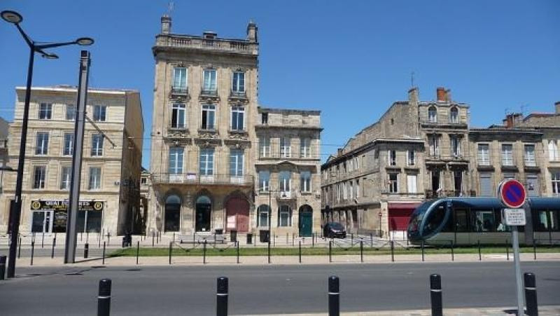 Investment property apartment Bordeaux 548 545€ - Picture 2