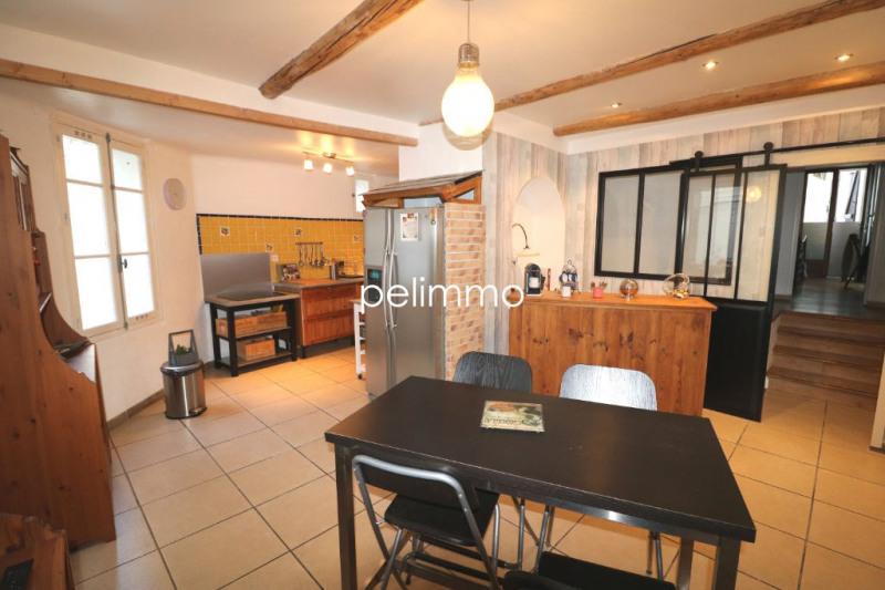 Eyguières - maison de village 5 pièce (s) - 90 m²