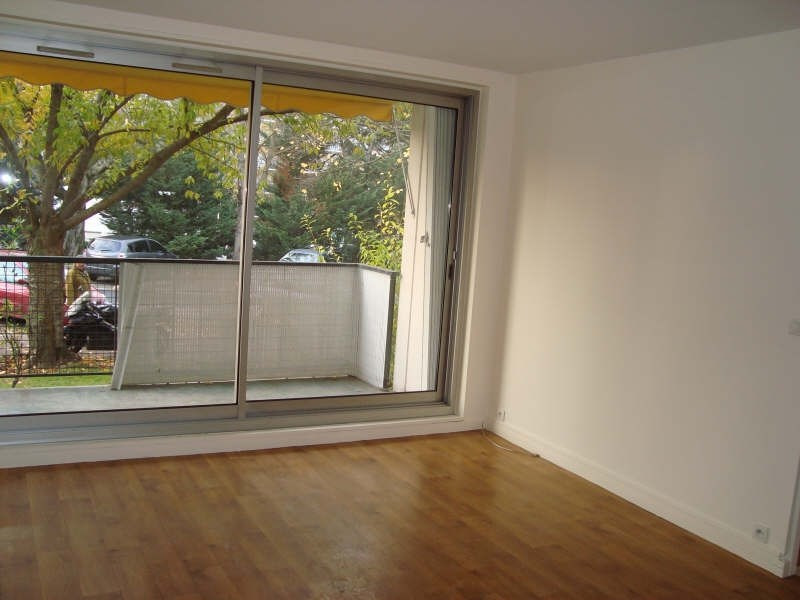 Rental apartment Marly le roi 924€ CC - Picture 3