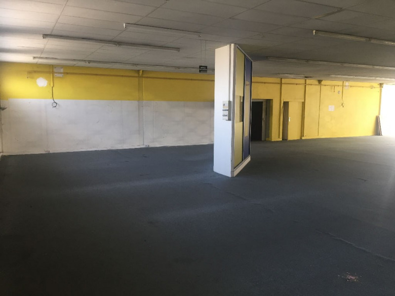 Location boutique Saint quentin 2 500€ HC - Photo 3