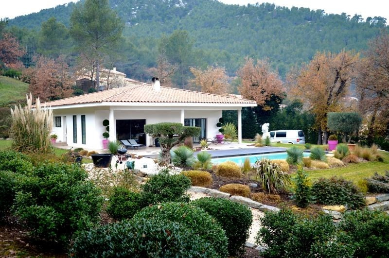Deluxe sale house / villa Cuges les pins 1 460 000€ - Picture 2