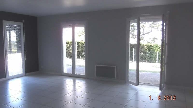 Location maison / villa St andre de cubzac 870€ CC - Photo 4