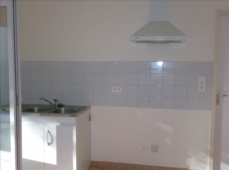 Location maison / villa Marsaneix 740€ CC - Photo 4