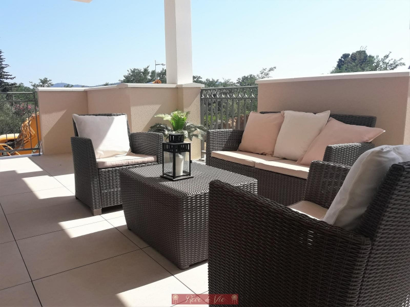 Deluxe sale apartment Bormes les mimosas 342 500€ - Picture 1