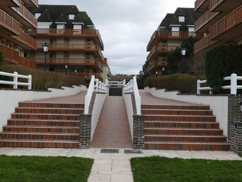 Sale apartment Deauville 140 400€ - Picture 3