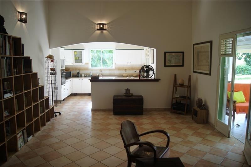 Sale house / villa Le moule 378 000€ - Picture 3