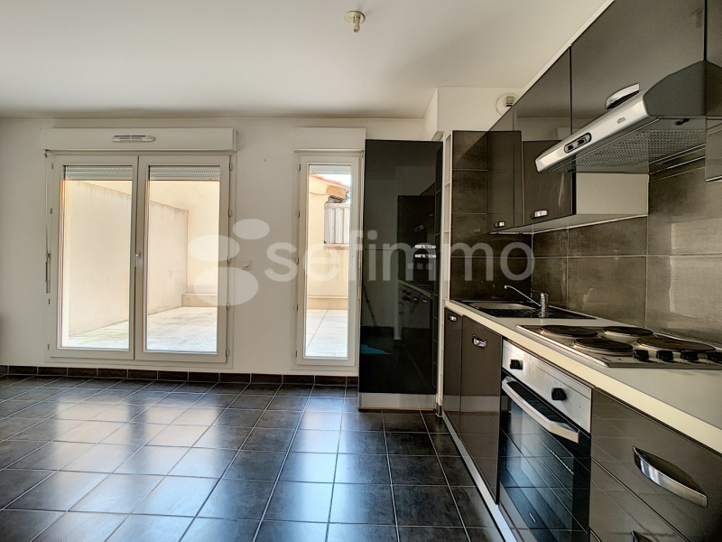 Rental apartment Marseille 5ème 723€ CC - Picture 3