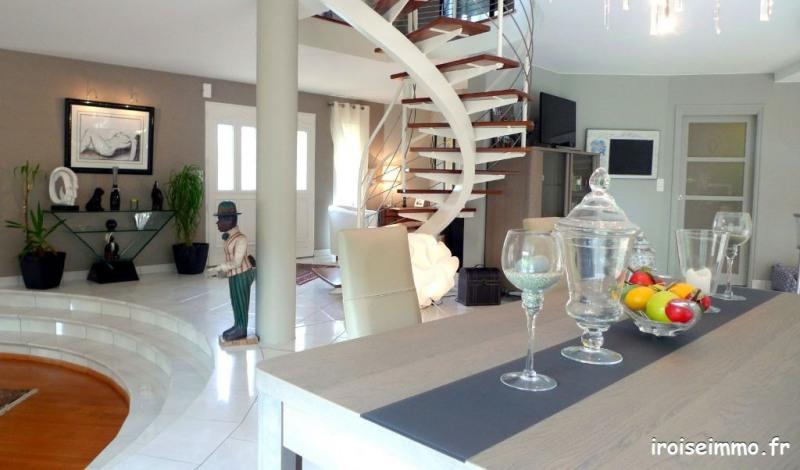 Deluxe sale house / villa Bohars 769000€ - Picture 1