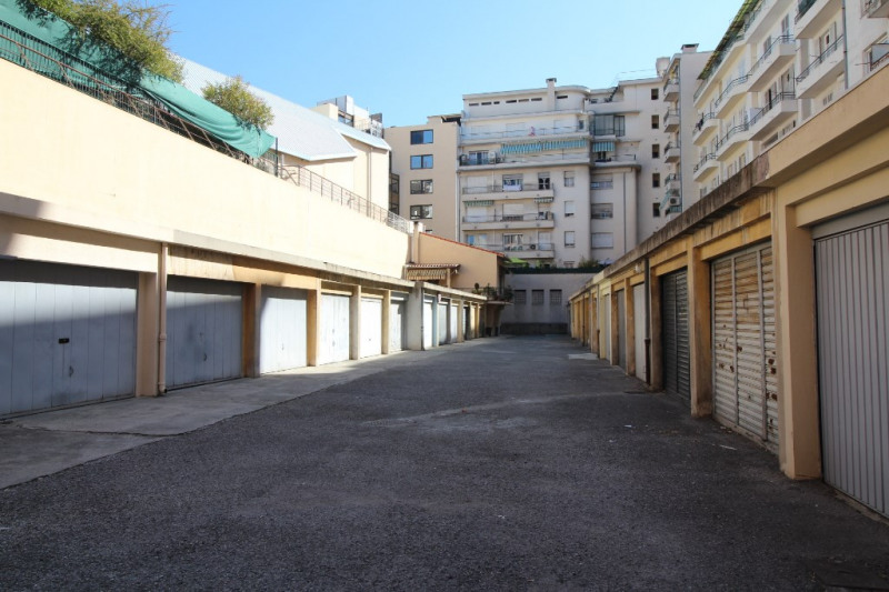 Deluxe sale apartment Nice 785 000€ - Picture 17