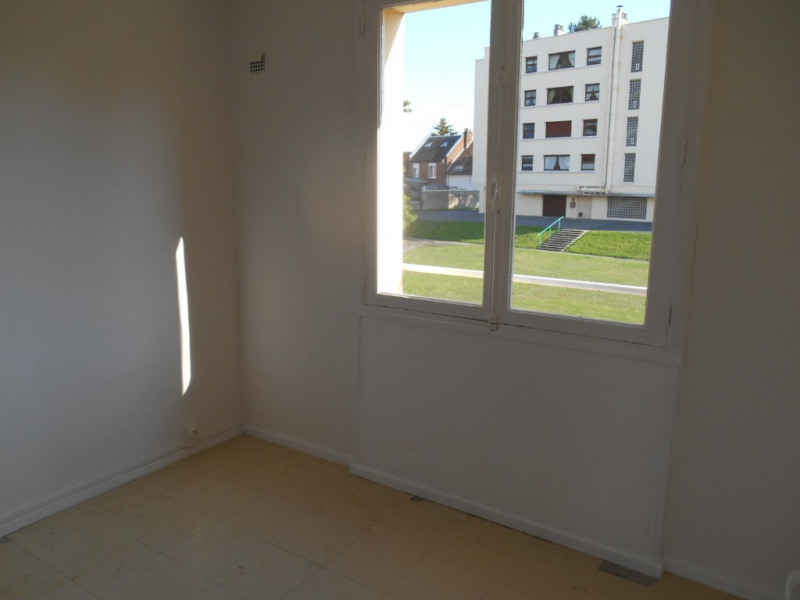 Rental apartment Saint quentin 555€ CC - Picture 8