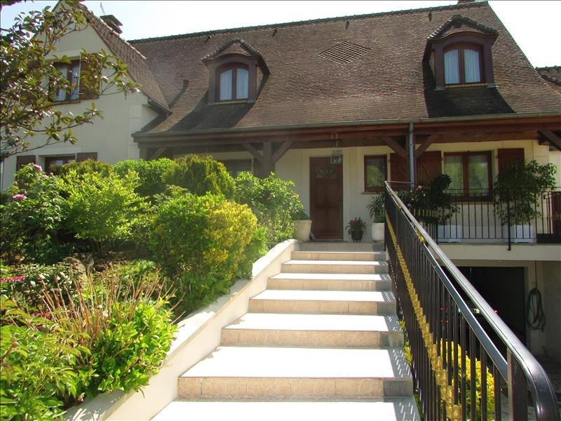 Sale house / villa La ferte gaucher 299 000€ - Picture 1