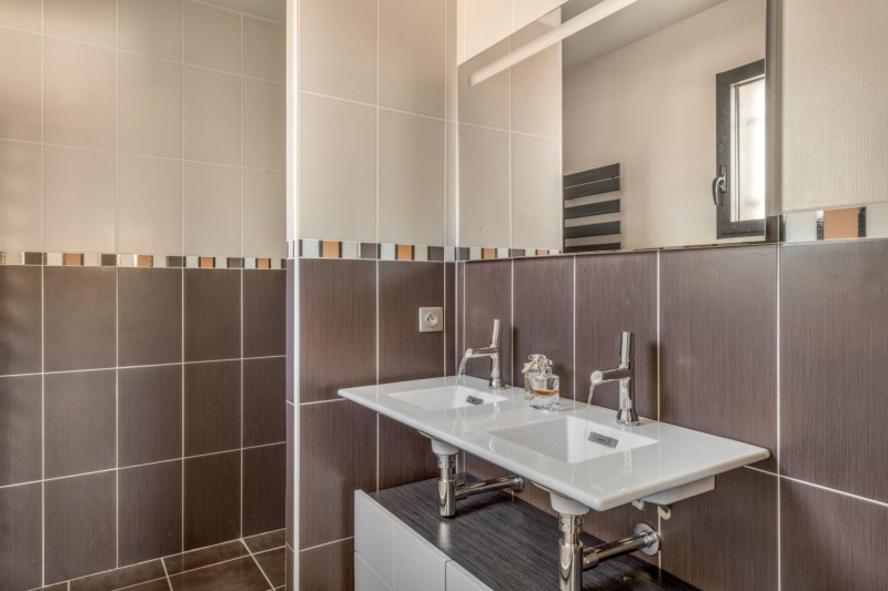 Deluxe sale house / villa Pollionnay 615000€ - Picture 10