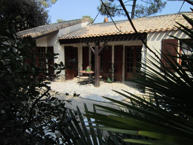 Sale house / villa La palmyre 381425€ - Picture 1