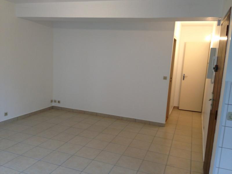 Rental apartment Saint-ouen-l'aumône 615€ CC - Picture 3