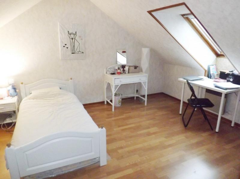 Sale house / villa Lesigny 350000€ - Picture 5