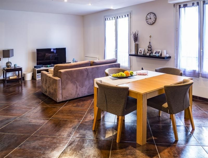 Sale apartment Plaisir 267800€ - Picture 3