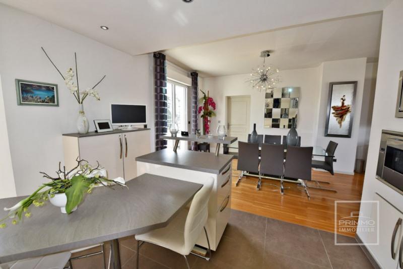 Deluxe sale apartment Charbonnieres les bains 925000€ - Picture 5