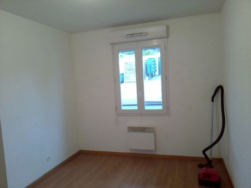 Rental apartment Cerny 741€ CC - Picture 3