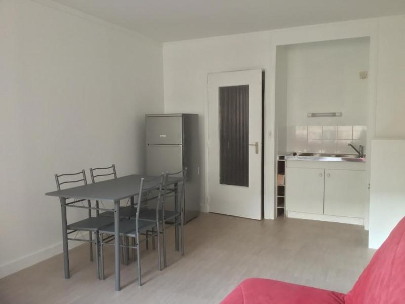 Location appartement Paris 17ème 1050€ CC - Photo 4
