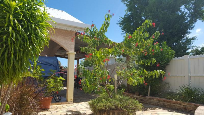 Deluxe sale house / villa L etang sale les bains 595000€ - Picture 2