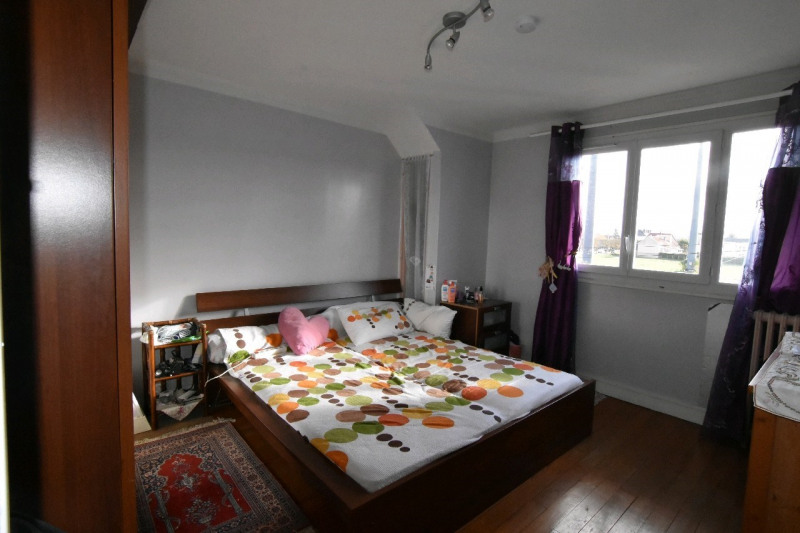 Sale house / villa Persan 236000€ - Picture 3