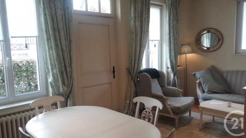 Revenda residencial de prestígio casa Deauville 562000€ - Fotografia 2