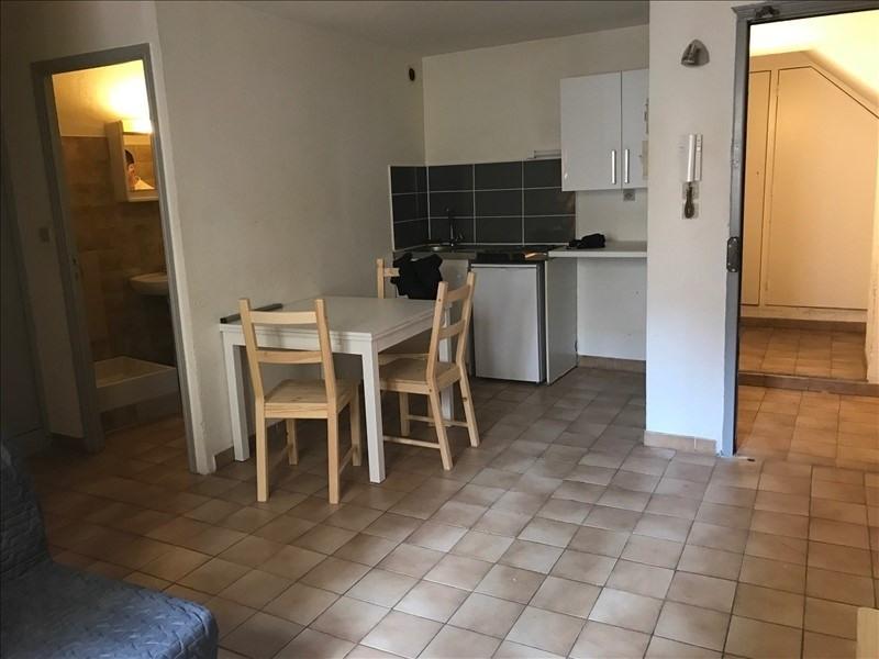 Rental apartment Aix en provence 655€ CC - Picture 3