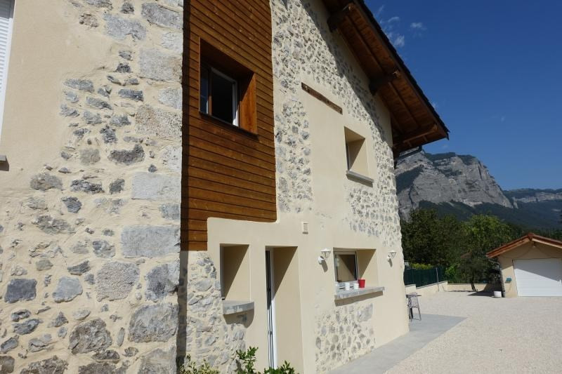 Sale house / villa Bernin 450000€ - Picture 2