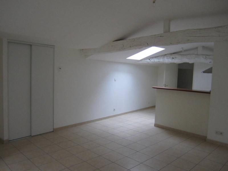 Rental apartment Archiac 450€ CC - Picture 2