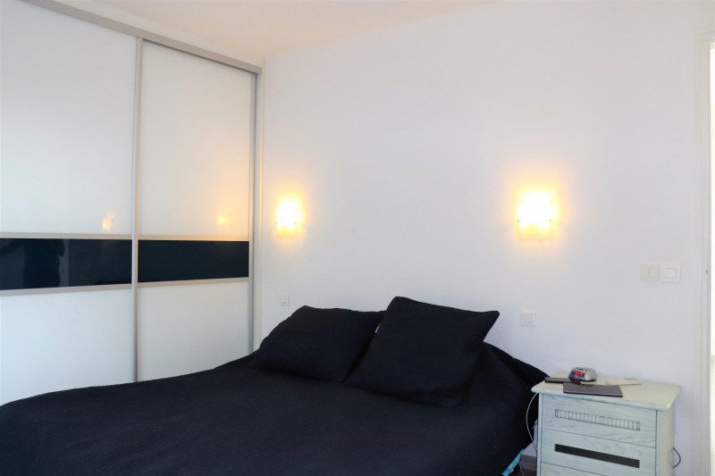 Vacation rental house / villa Cavalaire sur mer 4800€ - Picture 12