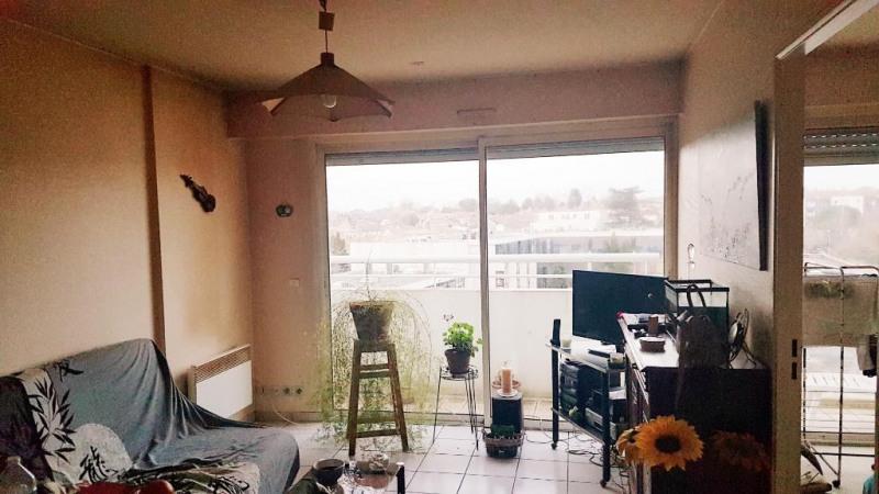 Sale apartment Niort 97100€ - Picture 2