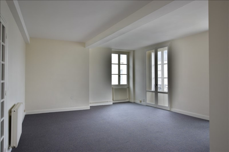 Sale apartment Pau 196 000€ - Picture 1