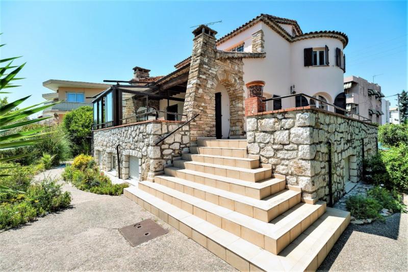 Deluxe sale house / villa Saint laurent du var 884000€ - Picture 1